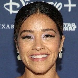 Gina Rodriguez 1 of 10