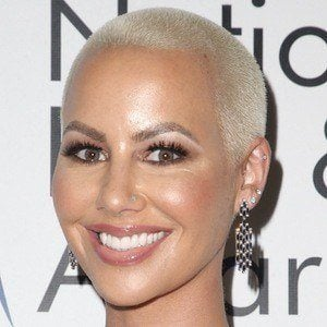 new styles 4d285 d895b Amber Rose 1 of 10