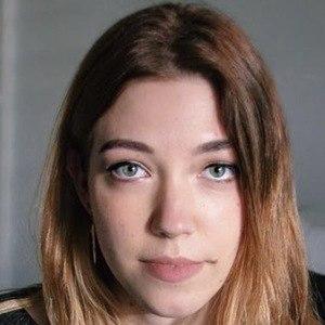 Natasha Rose 1 of 4