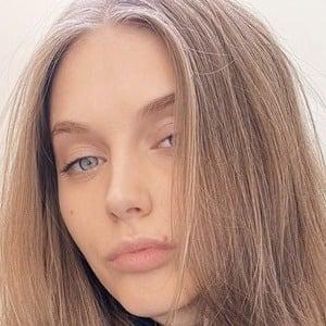 Yulia Rose 1 of 6