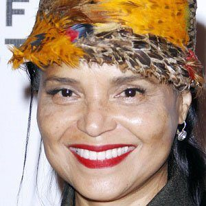 Victoria Rowell 1 of 5