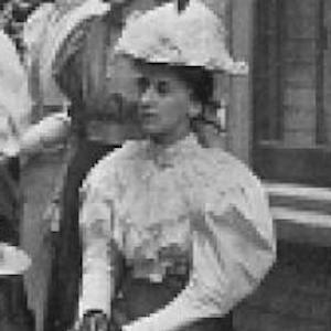 Mary Rudge Headshot