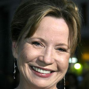 Debra Jo Rupp 1 of 8
