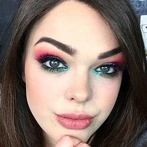 Alexandria Ryan 1 of 5