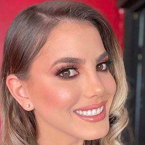 Anyela Salerno 1 of 5