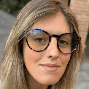 Isa Salinas 1 of 10