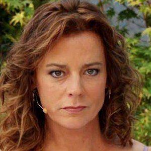 Katherine Estrella Salosny Headshot