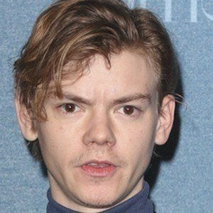 Thomas Brodie-Sangster 1 of 8