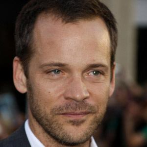 Peter Sarsgaard 1 of 6