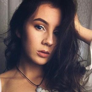 Alexandra Schardt 1 of 6