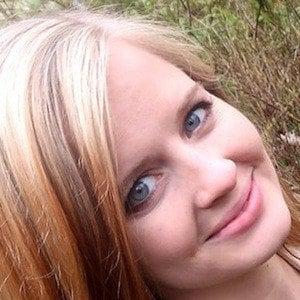 Kelsey Scott 1 of 8