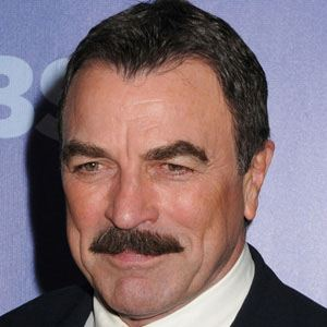 Tom Selleck 1 of 10