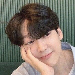 Park Hyung Seok Headshot 1 of 10