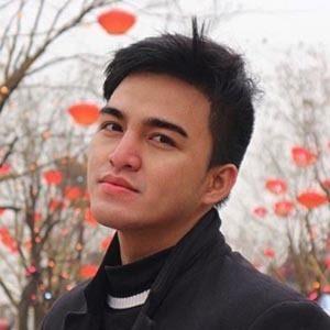 Ricky Shandy Setiawan 1 of 6