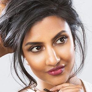 Avina Shah 1 of 6
