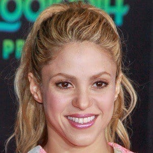Shakira real cell phone number