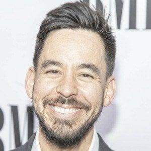 Mike Shinoda 1 of 10