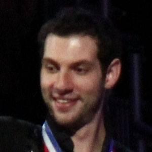 Simon Shnapir Headshot