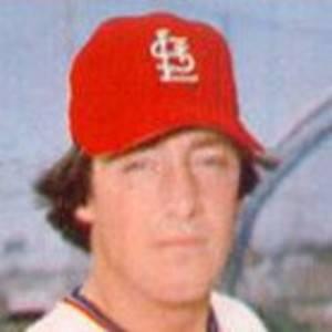 Ted Simmons Headshot