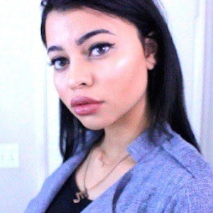 Simplynessa15 1 of 4