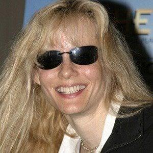 Lori Singer 1 of 5