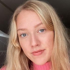 Elina Sipma 1 of 4