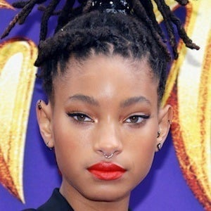 Willow Smith 1 of 10
