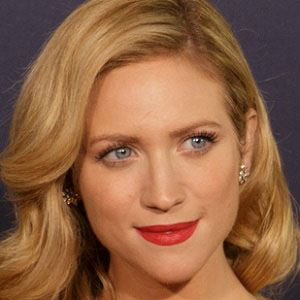 Brittany Snow 1 of 9