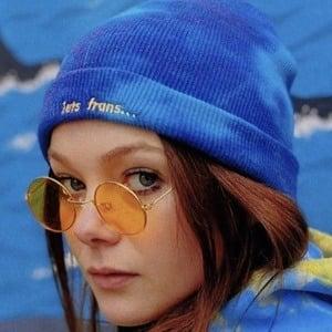 Hannah Snow 1 of 4