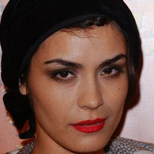 Shannyn Sossamon 1 of 5