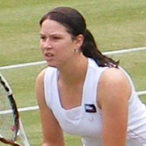Melanie South Headshot