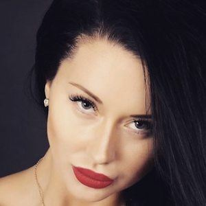 Anna Stankus 1 of 8