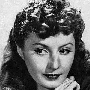 Barbara Stanwyck 1 of 10