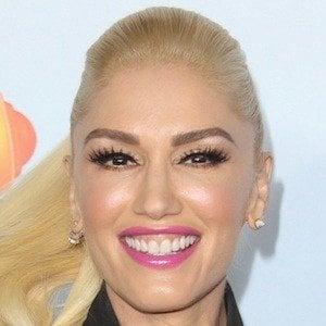 Gwen Stefani 1 of 10