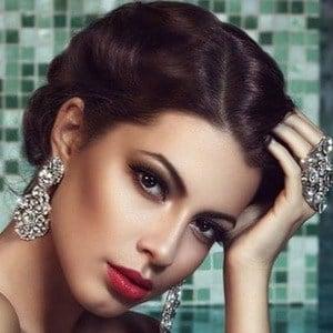 Tijana Stoisavljevic Headshot 1 of 6