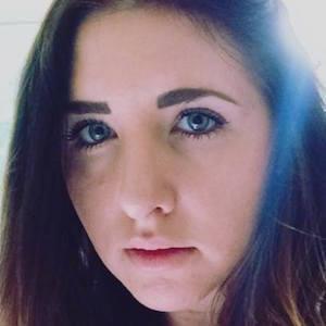 Sarah Stone Headshot