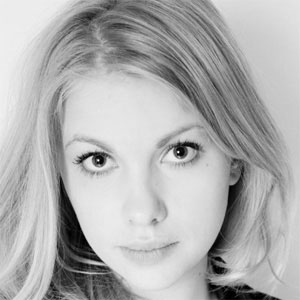 Sophie Stuckey - Bio, ...