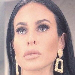 Vanessa Suarez 1 of 5
