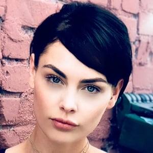Teela Sullivan 1 of 6