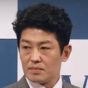Heo Sung-tae Headshot