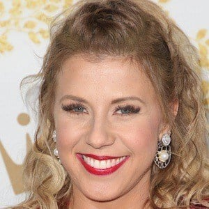 Jodie Sweetin 1 of 10