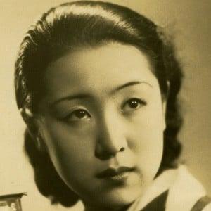Kinuyo Tanaka Headshot