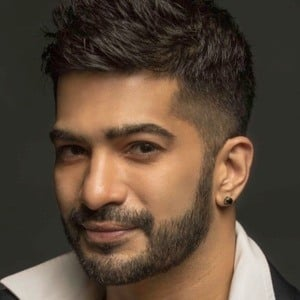 Amit Tandon 1 of 8