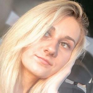 Katelyn Taylor 1 of 5