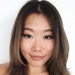 Erica Tenggara 1 of 10