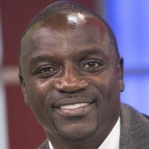 Akon 1 of 9