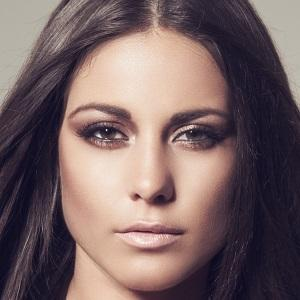 Louise Thompson 1 of 5