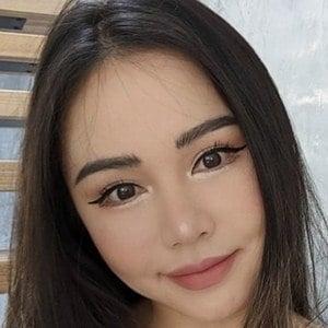 Chloe Ting 1 of 6