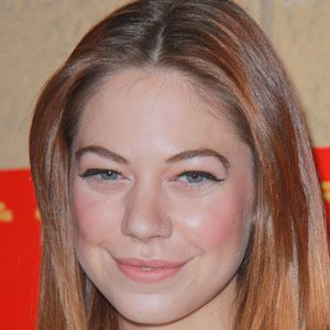 Analeigh Tipton 1 of 4