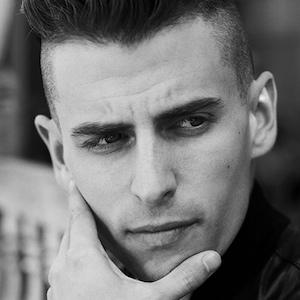 Mike Tompkins 1 of 2